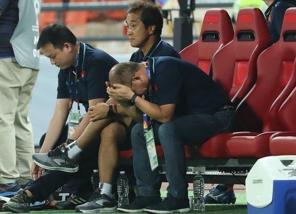 và cả vấn đề của ông Park để nhận thất bại đau đớn