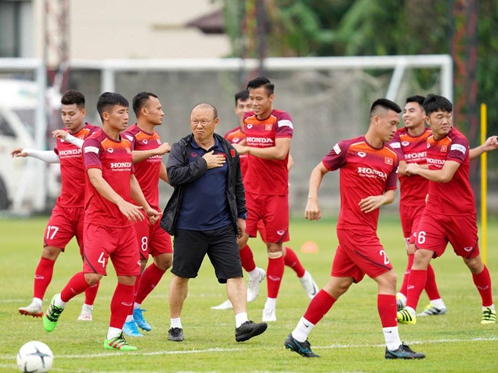 HLV Park Hang-seo và đội tuyển Việt Nam cần làm mới mình để hướng tới tương lai