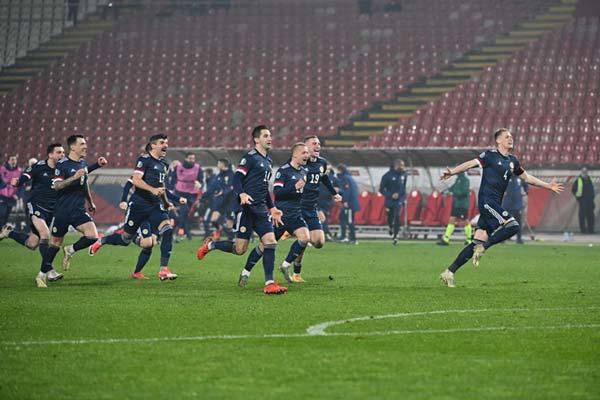 Scotland vượt qua cánh cửa hẹp giành vé dự VCK EURO 2020.