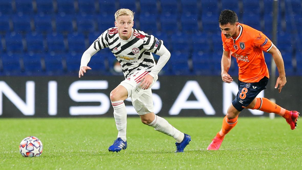 Van de Beek ít được ra sân ở Man United và lý do đằng sau