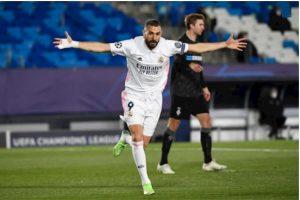 """""""Chiến tướng"""" Benzema đưa Real Madrid vươn lên dẫn bàn"""
