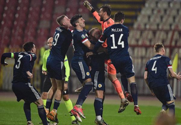 Scotland sau khi hạ Serbia trên loạt đấu súng cân não