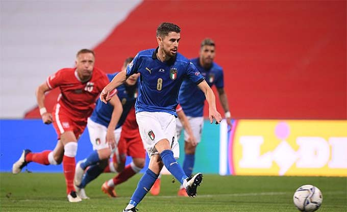 Bóng đá + ĐT Italia: Thiên thanh khởi sắc cùng Mancini