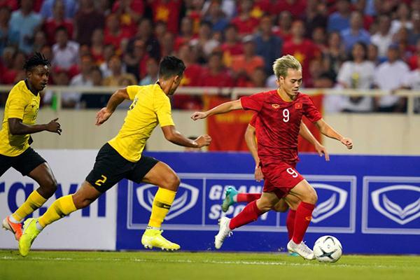 malaysia tuyển cầu thủ ngoại tịch
