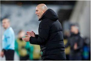 Zidane vẫn chứng tỏ được tài chèo lái.